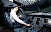 Andrew Barham im Flugsimulator-Cockpit am 28. Januar 2019 (© MSSP - Michael Schwartz)