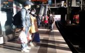 Aggressiver Bettler im Hamburger Hauptbahnhof am 04. Mai 2020 (© schwartz photographie)